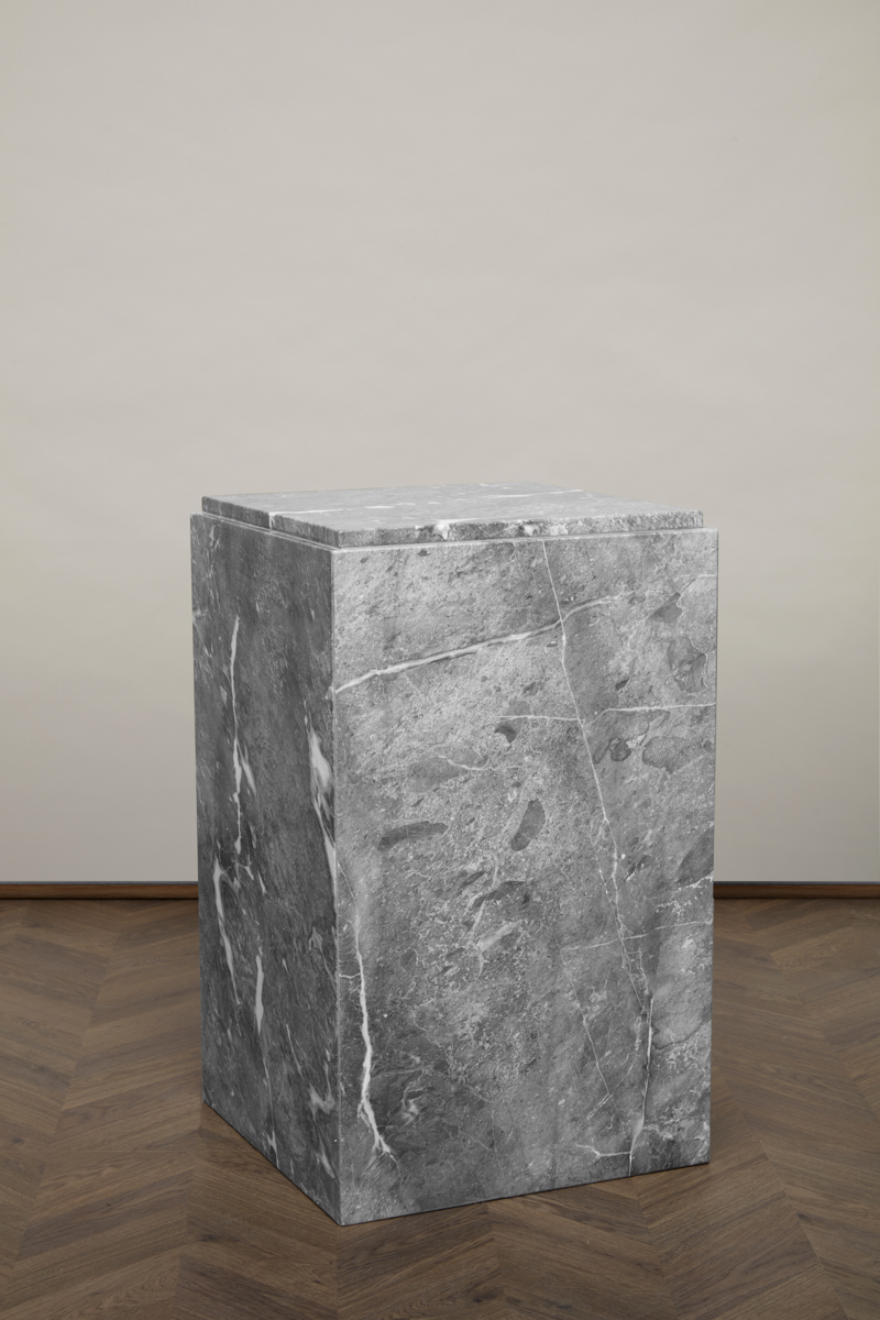 RJ Block – London Stone – Hög