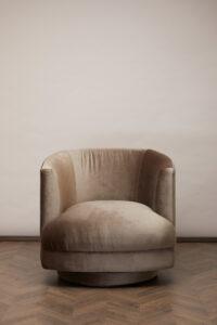 Cleo Swivel Chair – Nougat