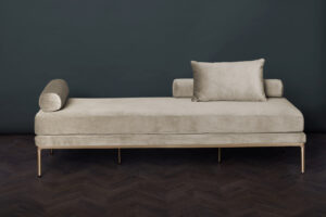 Delano Daybed – Soft Almond